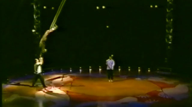 Image from the show Cirk 13